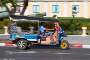 Tuk tuk in motion, Bangkok