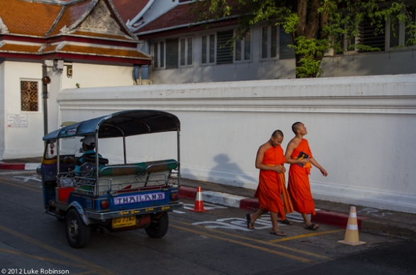 Tuk tuk and monks, Bangkok