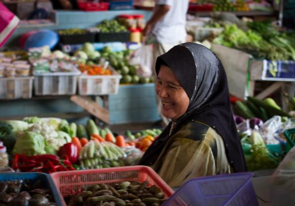 Laughing Market Trader, Dungun Market